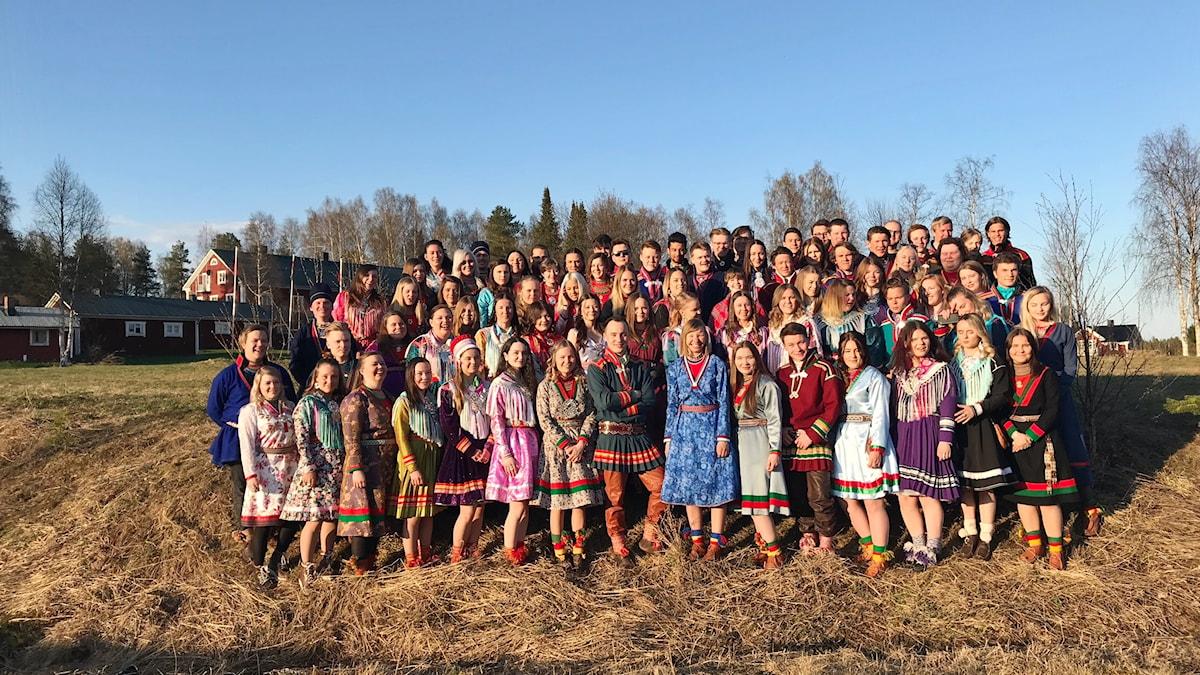 Gruppbild sáminuorra