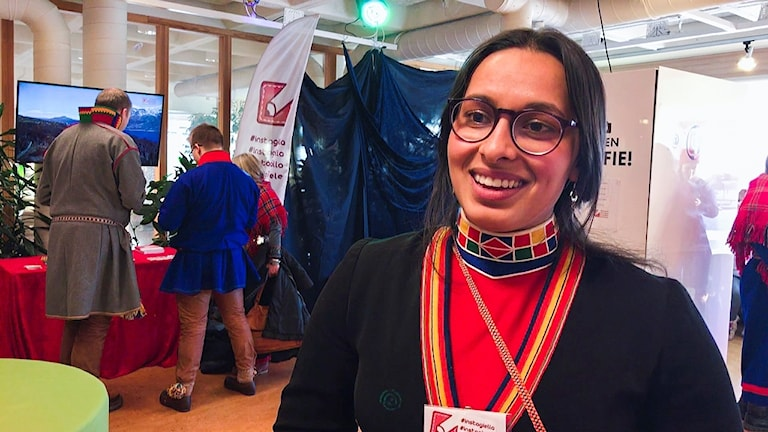 Staare 2018: Språkambassadör Instagiella, Naima Kahn Nergård vid fotoautomaten.