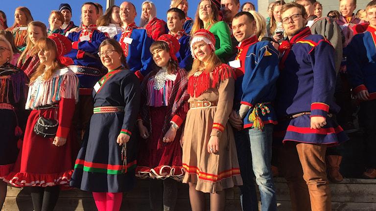 Sametingens ungdomskonferens samlade för gruppbild Tråante.