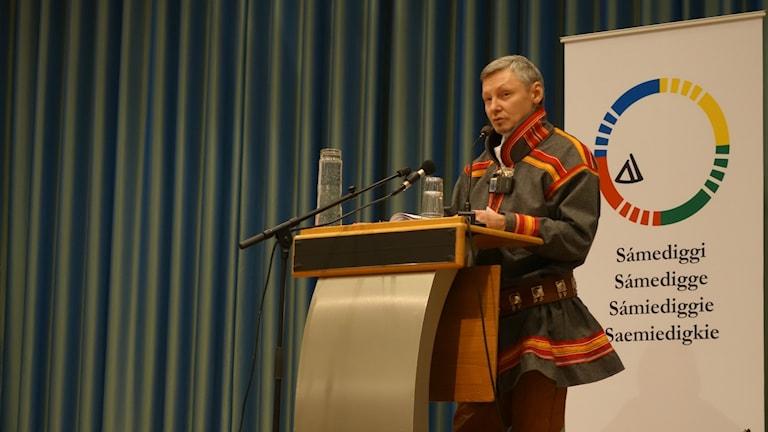 Per Olof Nutti på plenum i Trondheim