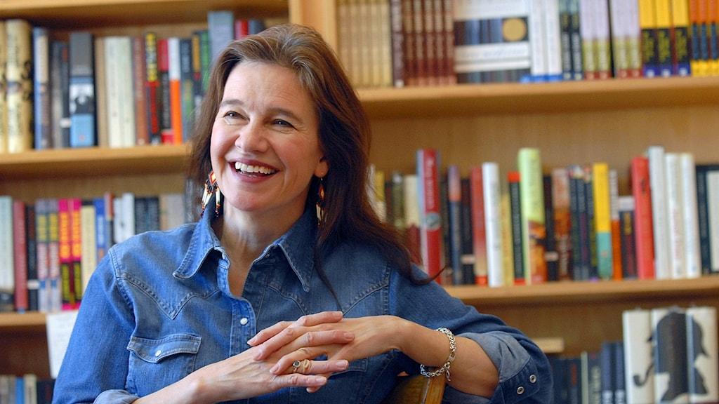 Louise Erdrich får årets Pulitzerpris för romanen The night watchman, om behandlingen av USA:s urfolk.