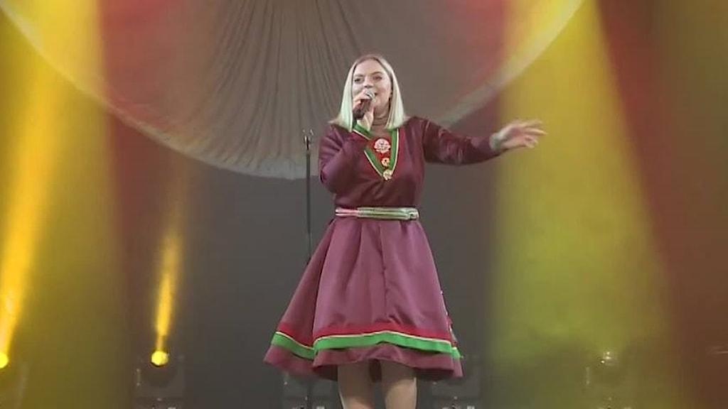 Saara Hermansson från Sverige vinner sångdelen i Sami Grand Prix 2019