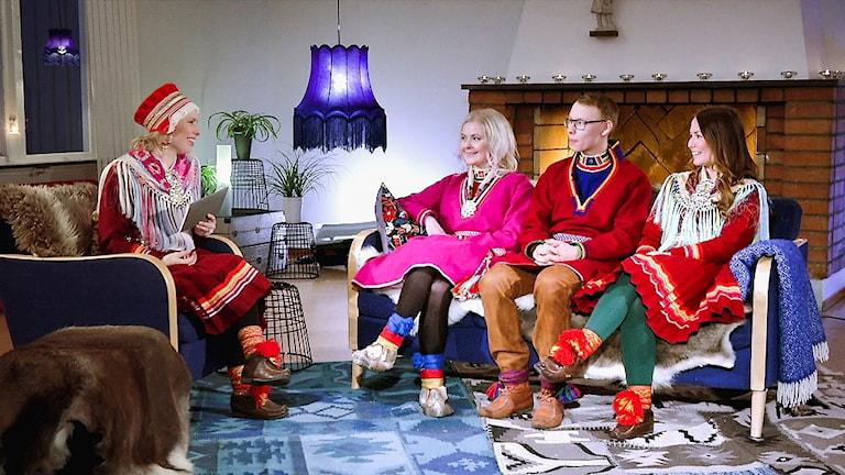 Marja Påve som programledare under inspelningen av Samiska nationaldagen 2018