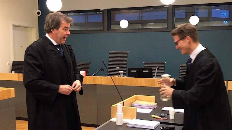 Samebyns advokat Herman Harborg (t.v) och statsadvokaten Anders Blakstvedt.