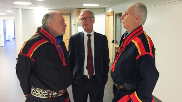 Girjasmålet: Girjas ordförande Matti Berg och samebyns advokat Peter Danowsky samt Bror Saitton vid  hovrättsförhandlingarna