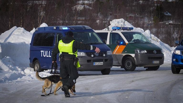 Gränskontroll vid svensk-finska gränsen i Karesuando.