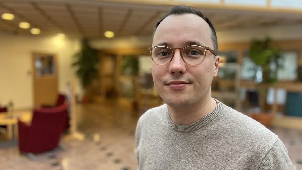 Isak Utsi, kommunalråd Arjeplog inne i kommunhuset