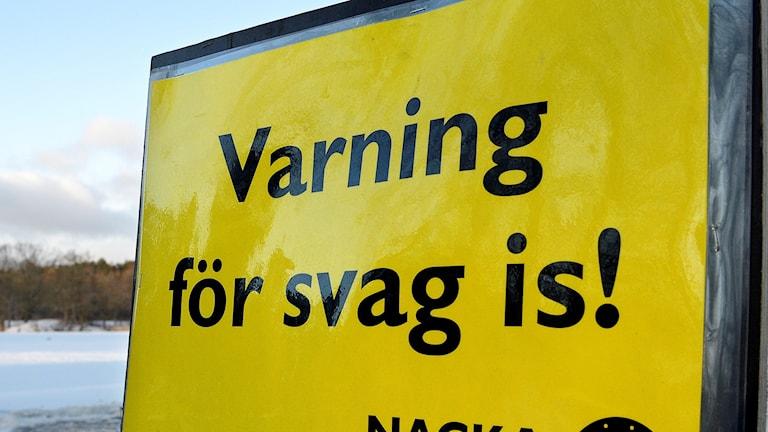 Nationella Skoterrådet varnar för svaga isar