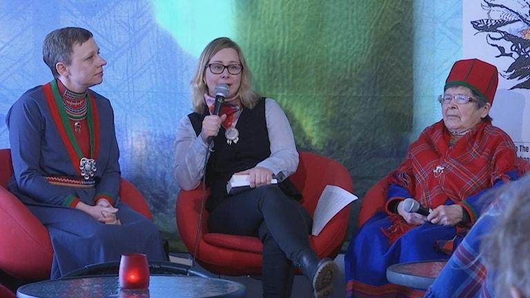 kvinnofrukost Sara Larsson, Ragnhild Nilsson och Aina Jonsson.