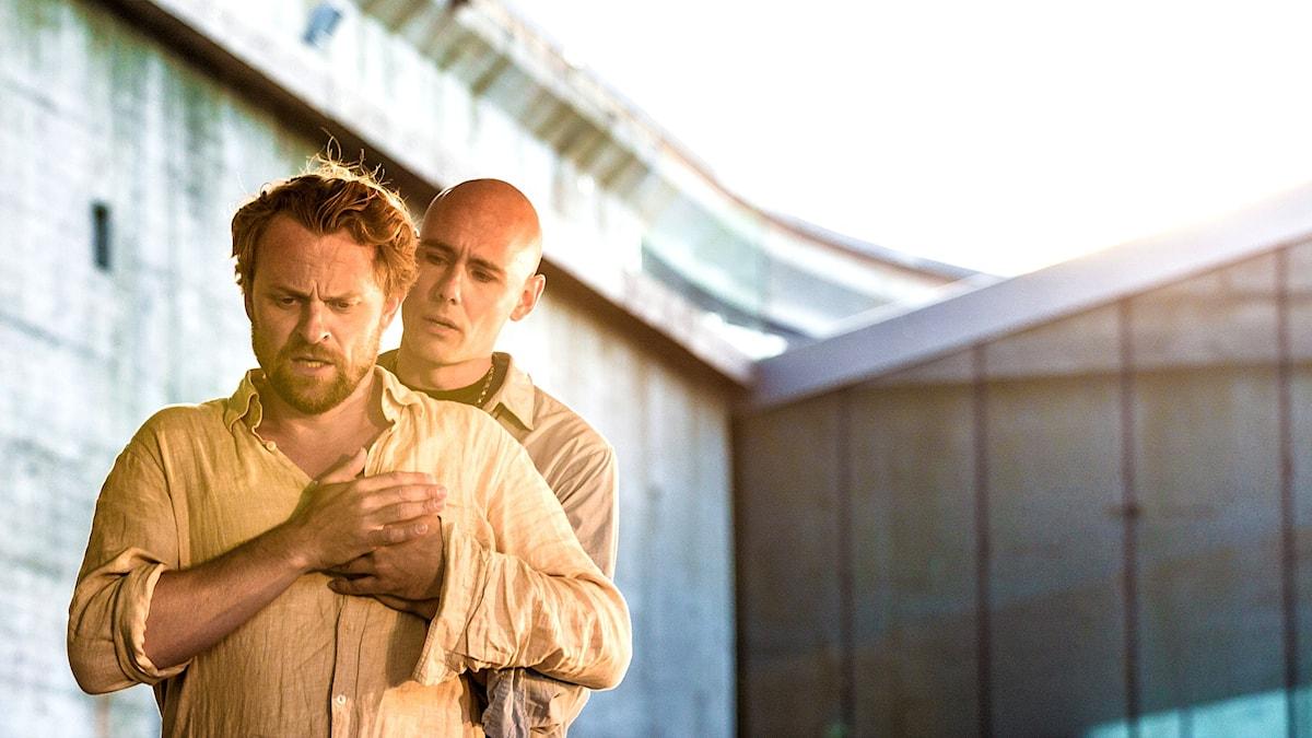 Martin Vanberg och Magnus Vigilius i Den djupaste platsen. Pressbild/Thomas Pape