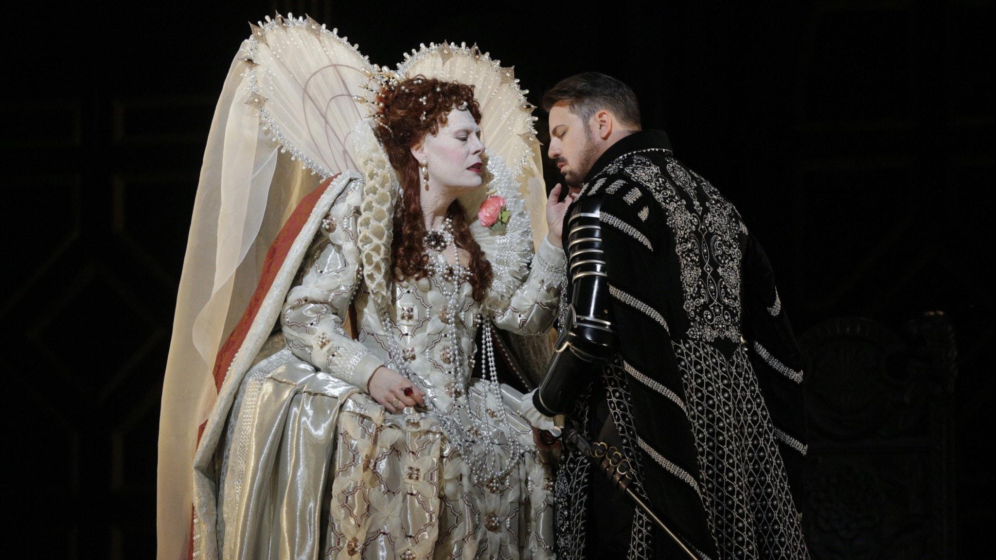 Bild: Sondra Radvanovsky som Elisabet och Matthew Polenzani i titelrollen Robert Devereux.