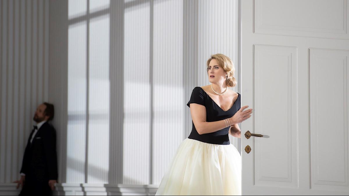 "Jacquelyn Wagner (Euryanthe), Andrew Foster-Williams (Lysiart) i Webers opera ""Euryanthe""."