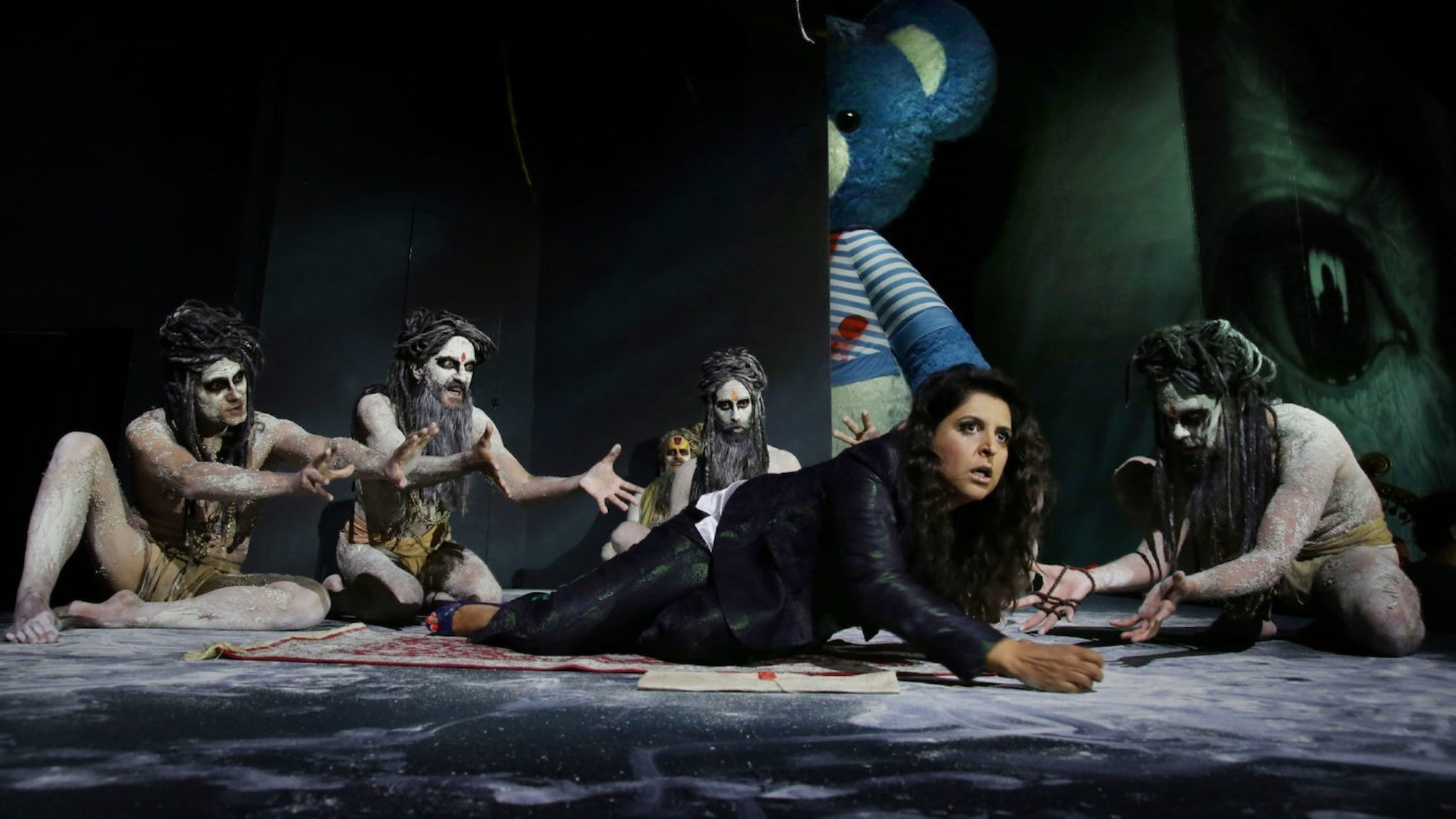 Bild: Varduhi Abrahamyan i rollen som Arsace.
