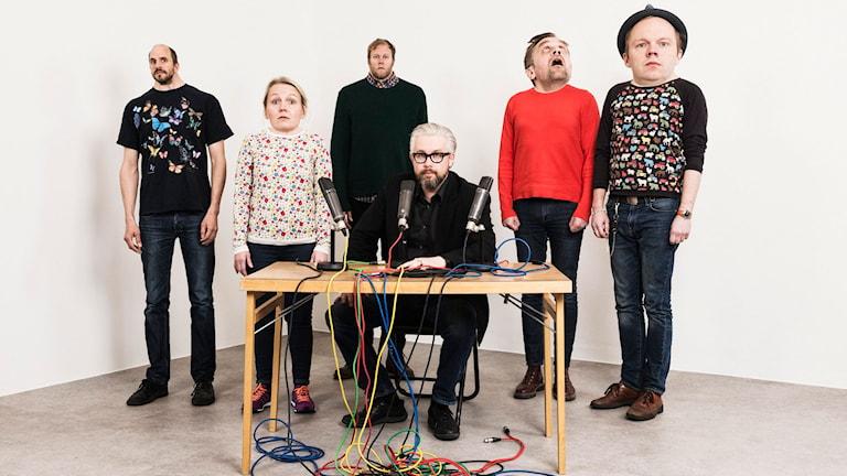 Mammas nya kille: Mattias Fransson, Sofia Wretling, Lars Berge, Bengt Strömbro, Sven Björklund, Olof Wretling. Foto: Mattias Ahlm/Sveriges Radio