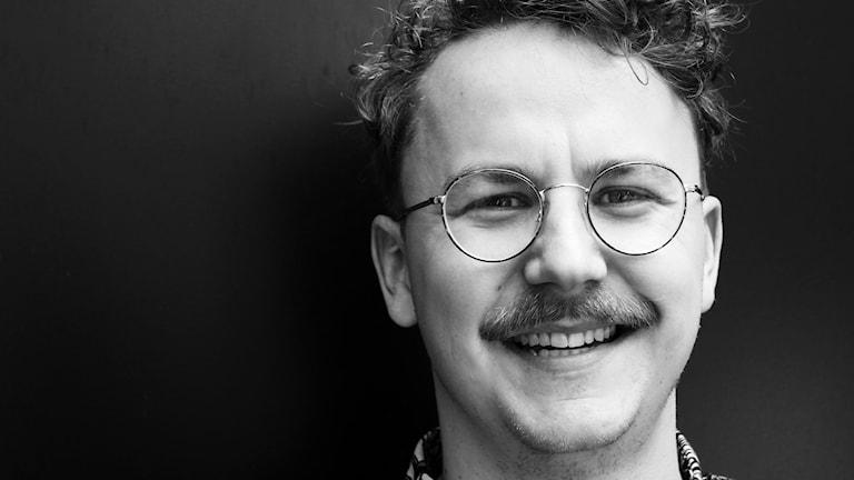 Jimmie Larsson, digital reporter och studioreporter på P4 Malmöhus. Foto: Hans Zillén/Sveriges Radio.