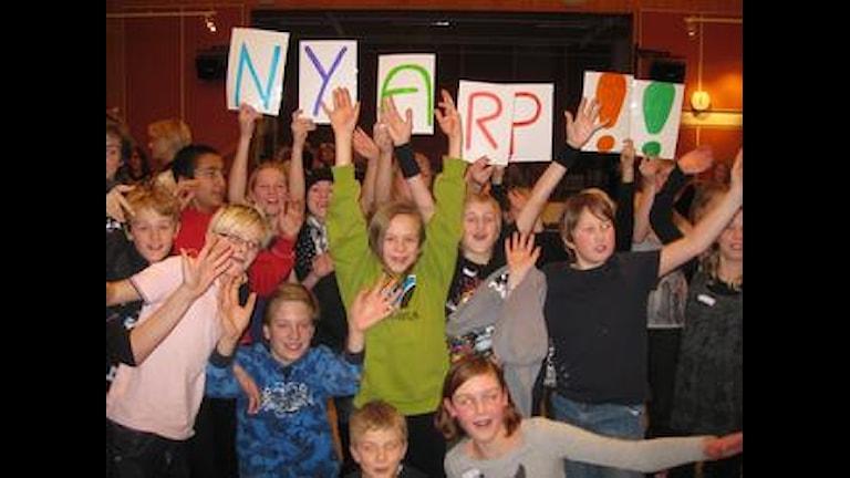 Segerjubel från Nyarpsskolan. Foto: Magnus Nilsson/SR