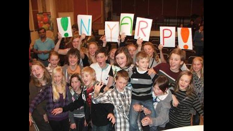 Segerjubel för Nyarpsskolan. Foto: Andreas Crona/SR