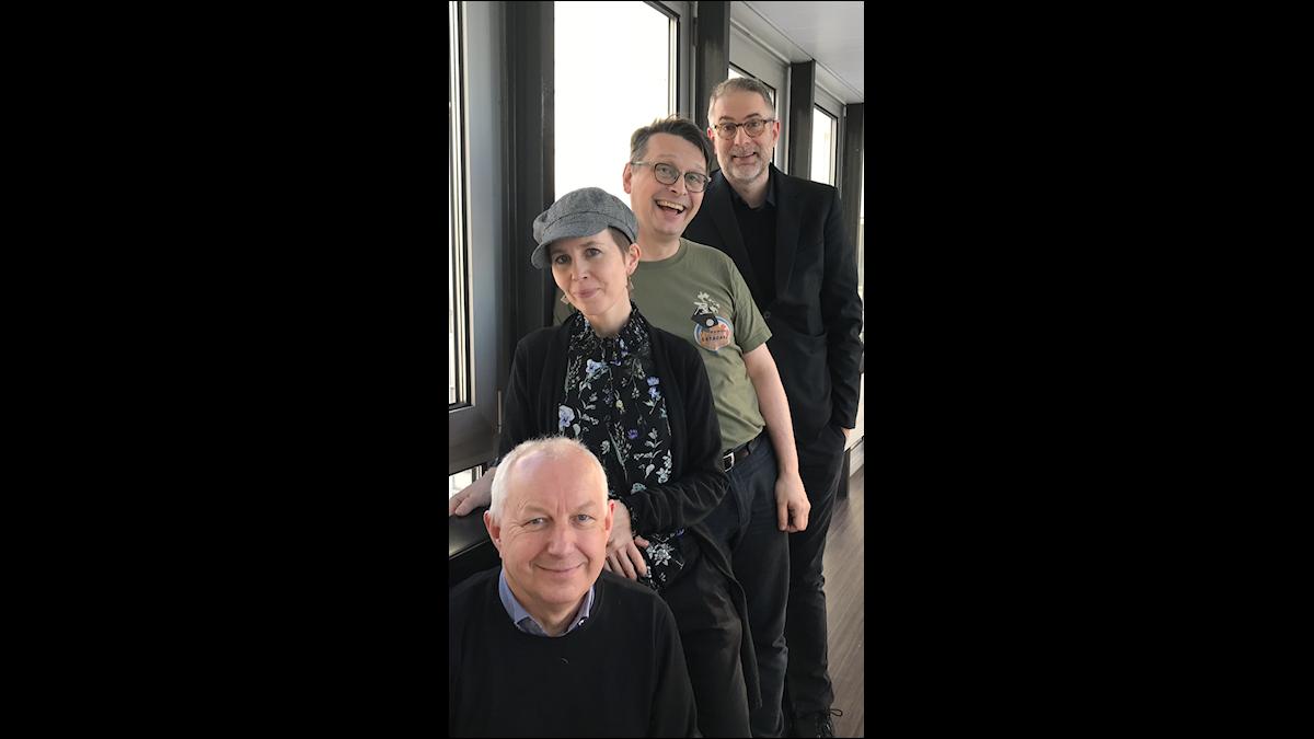 I veckans panel sitter Musikhögskolans Måns Tengnér, sångerskan Anna Nyhlin och bokhandelsbiträdet Alexander Freudenthal.