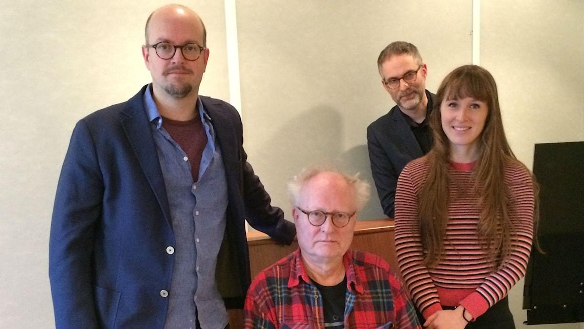 Panelen fr.v: David Björkman, Bengt Forsberg, programledaren samt Aurélie Ferriere.