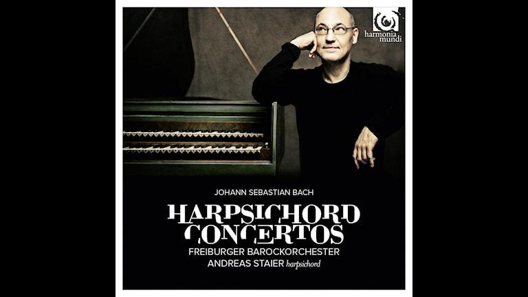 Andreas Staier spelar Bach på cembalo