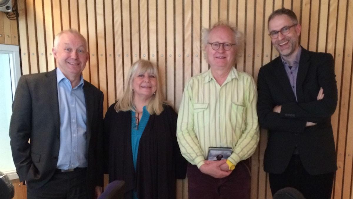 Veckans panel fr.v: Måns Tengnér, Bodil Asketorp, Bengt Forsberg och programledaren