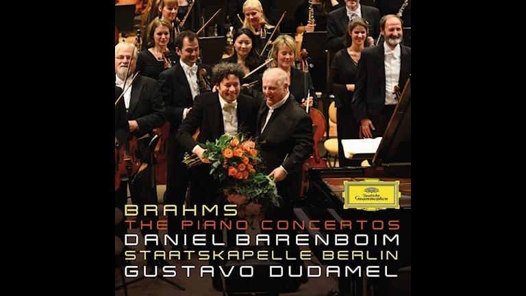 Daniel Barenboim är solist i Brahms båda pianokonserter