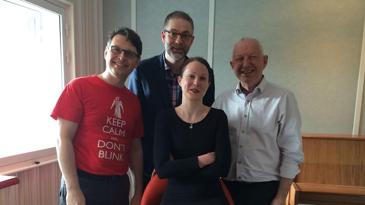 Veckans panel: Alexander Freudenthal, programledaren Johan Korssell, Johanna Paulsson och Måns Tengnér