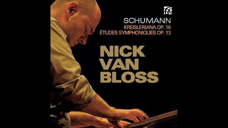 Pianisten Nick van Bloss spelar Schumann