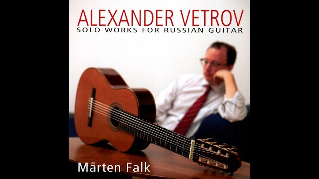 Gitarristen Mårten Falk spelar rysk musik