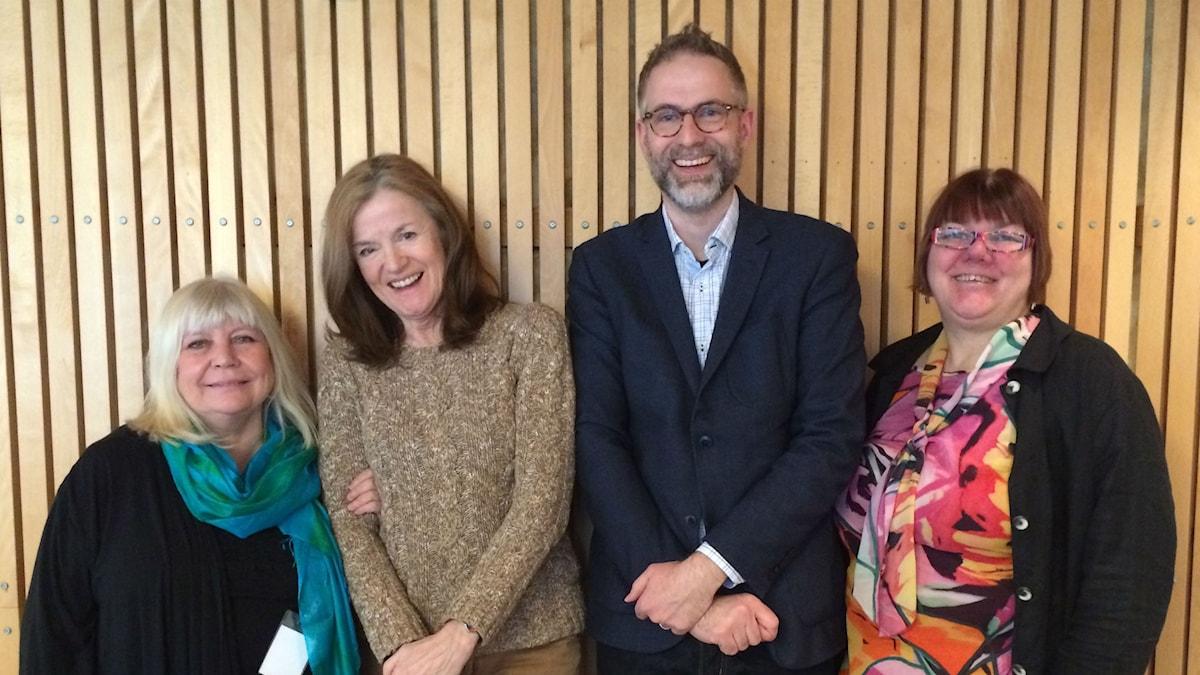 Panelen, fr.v Bodil Asketorp, Camilla Lundberg, programledaren samt Evabritt Selén