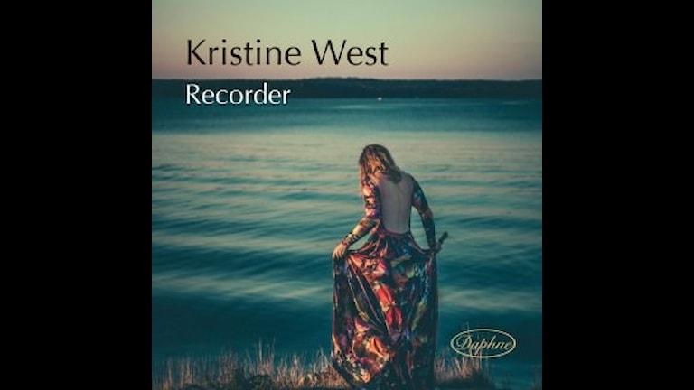 Flöjtisten Kristine West spelar bl.a. Bach, Vivaldi och van Eyck
