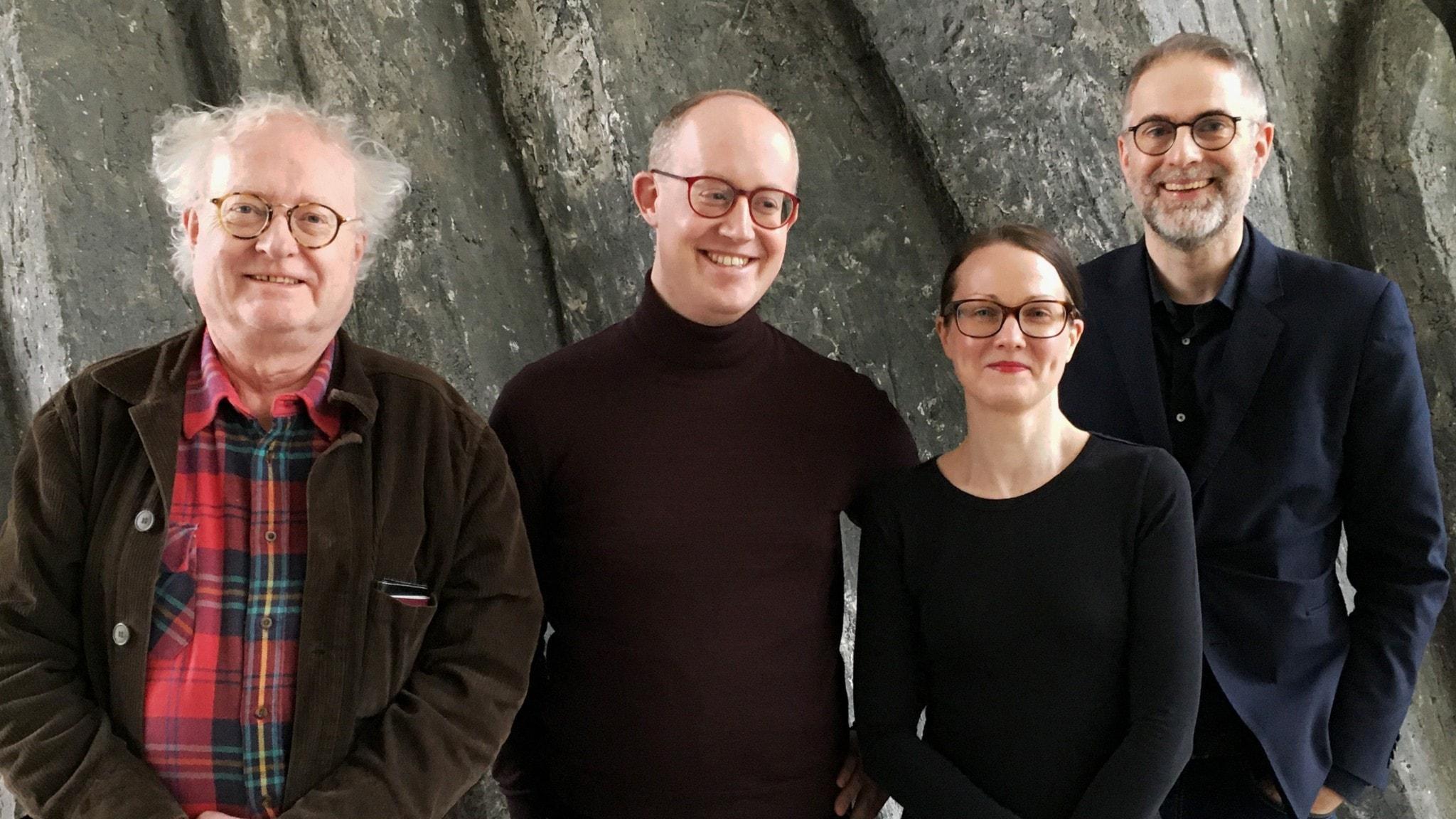 Panelen denna vecka består av pianisten Bengt Forsberg, Klassisk förmiddag-programledaren och digitala redaktören Jonas Lundblad och musikrecensenten Johanna Paulsson. Programledare är såklart Johan Korssell.