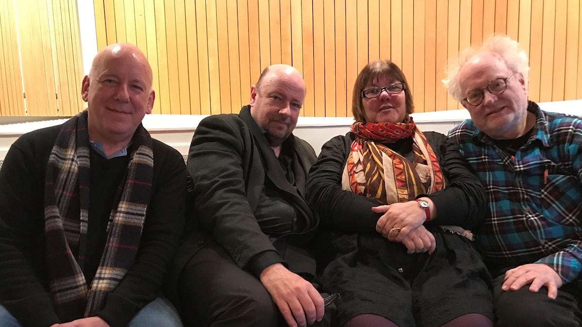 Panelen fr v: Evert van Berkel, programledaren, Evabritt Selén samt Bengt Forsberg.