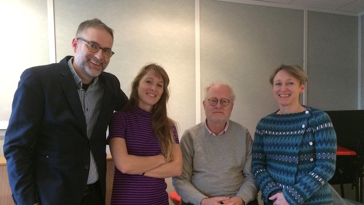 Panelen fr v: programledaren, Aurélie Ferriere, Bengt Forsberg samt Kati Raitinen.