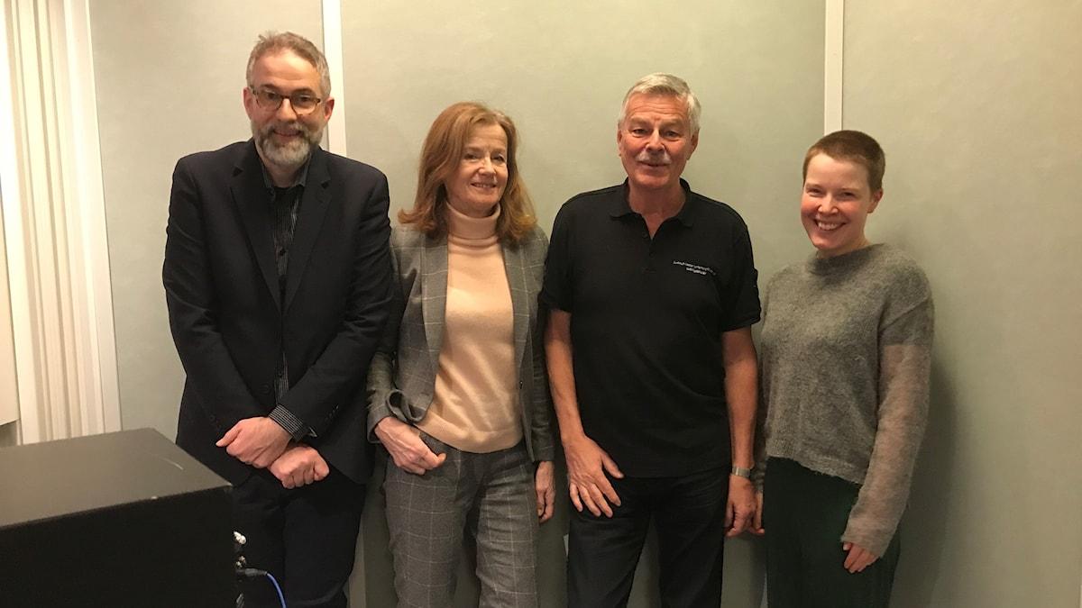 Panelen fr.v.: programledaren, Camilla Lundberg, Niklas Lindblad samt Hanna Höglund.