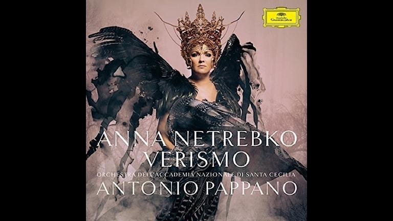 Anna Netrebko sjunger italienska operaarior.