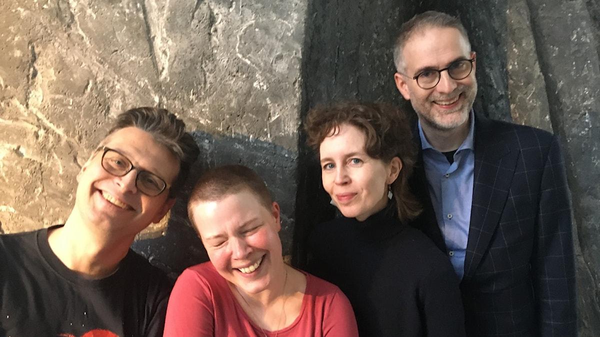 I veckans panel: Alexander Freudenthal, musikalisk mångsysslare, Hanna Höglund, musikjournalist och Anna Nyhlin, sångerska. Programledare är Johan Korssell.