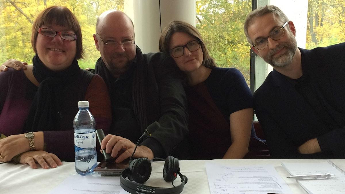 I jubileumspanelen fr.v: Evabritt Selén, Magnus Lindman, Sara Norling samt programledaren.