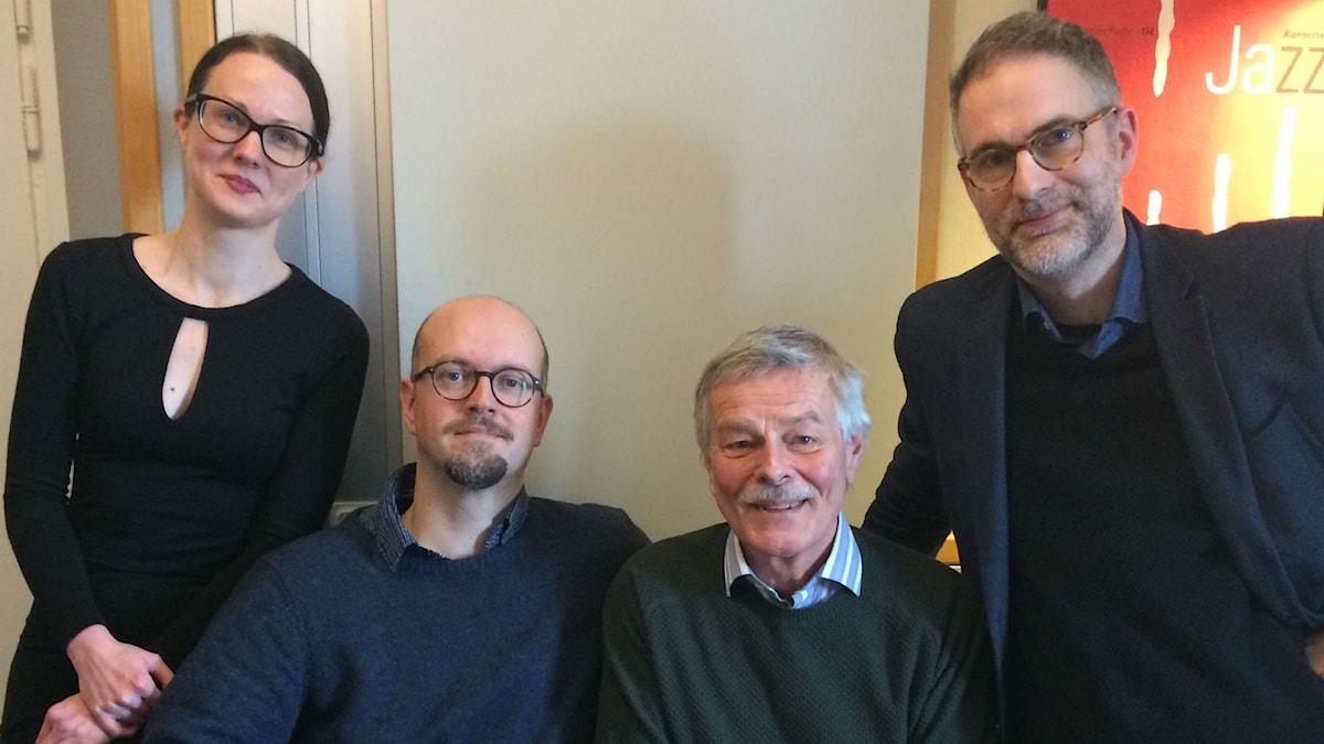 Panelen fr. v: Johanna Paulsson, David Björkman, Niklas Lindblad samt programledaren