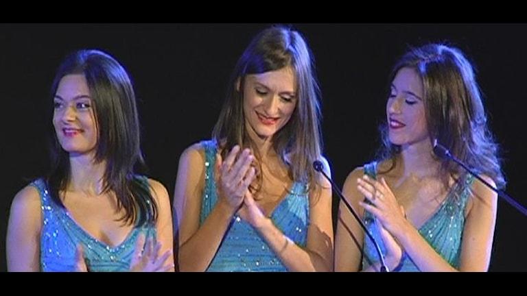 The Blue Dolls - låter som Trio Lescano