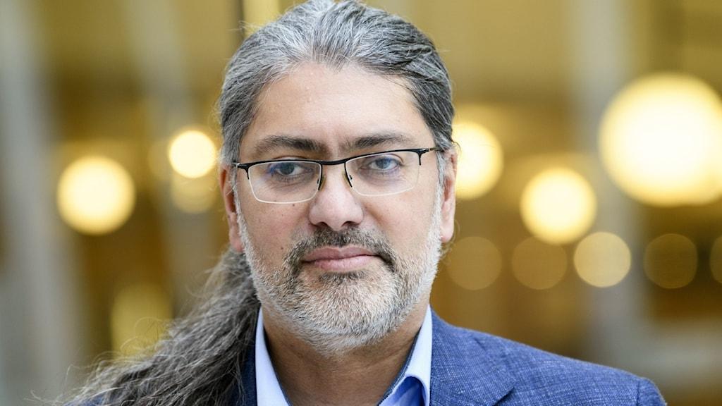 علی میرعظیمی، پژوهشگر و استاد ویروس شناسی در دانشگاه کارولینسکا.