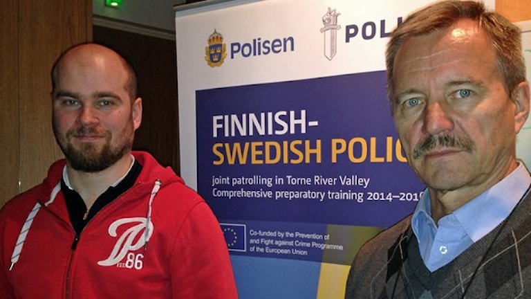 مسئولان سوئدی و فنلاندی پروژه همکاری پلیس دوکشور  Mikael Rova och Veijo Anunti. Foto: Nils Eklund/ Sveriges Radio.