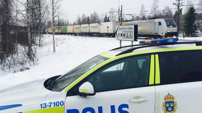 محل حادثه برحورد با قطار و کشته شدن مادری افغان با سه فرزند خردسالش  Foto: Patrick Trägårdh/ SVT