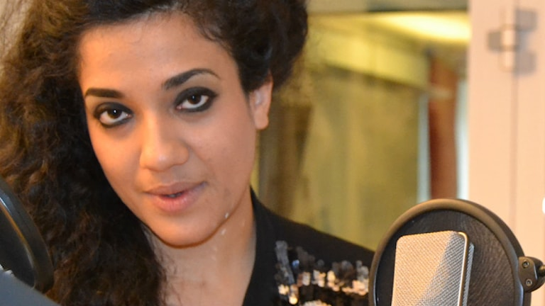 آتنا فرخزاد، شاعر و نویسنده  Foto: Radio Sweden/persiska redaktionen