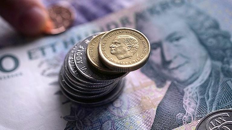 کرون سوئد به دلیل کاهش بهره پایه بانک مرکزی، ضعیف خواهدشد