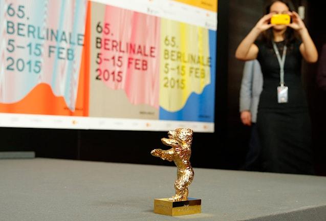 جایزه خرس طلای جشنواره برلین  که به فیلم تاکسی از جعفر پناهی داده شد Foto:  Axel Schmidt/AP/TT