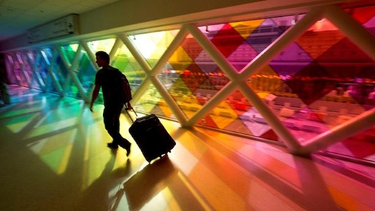 انتقاد از نحوه ی کنترل مسافران هوائی