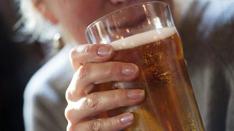 آبجوهای دارای ماده اشتباه جمع آوری می شوند  Foto. Fredrik Sandberg/TT