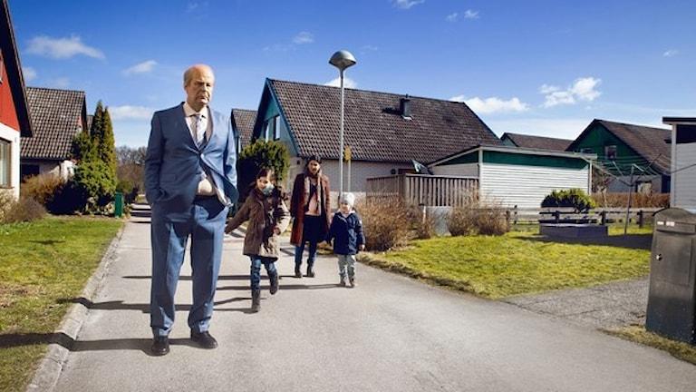 صحنه ای از فیلم مردی که اووه نام دارد. بهار پارس برای بازی دراین فیلم، نامزد دریافت جایزه سوسک طلایی شده است.  Foto: Anders Nicander.