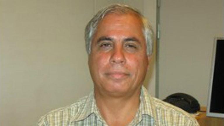دکتر احمد علوی، استاد اقتصاد در دانشگاه سوندسوال